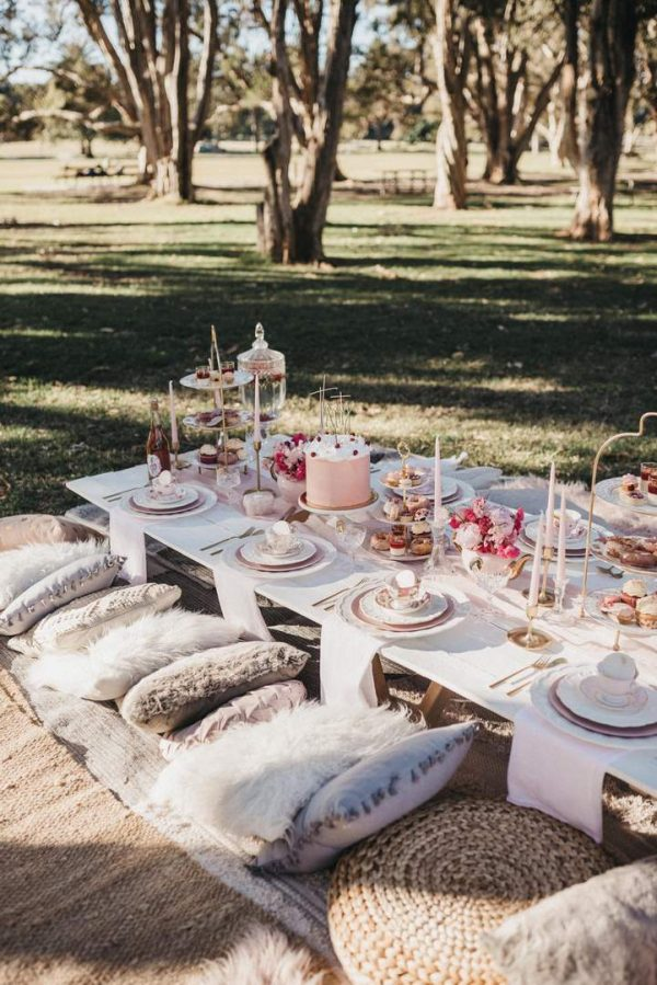 luxury high tea picnic
