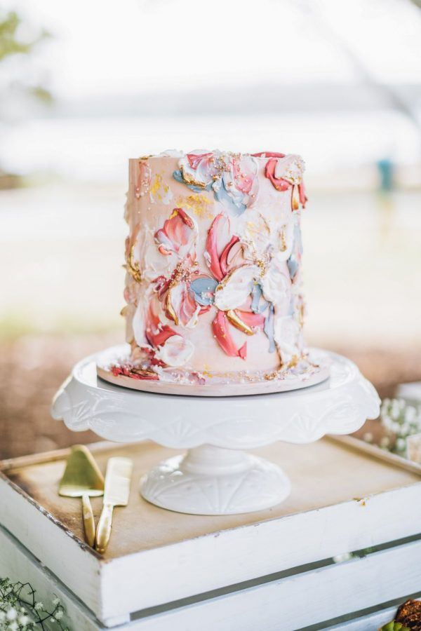 picnic hire cake pedestals