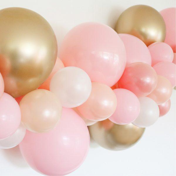 picnic-hire-balloon-garlands