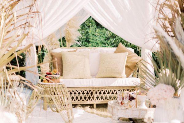 picnic hire bamboo sofa
